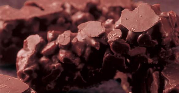 もち吉のあられクランチチョコを食べた感想と口コミは?賞味期限と値段は!