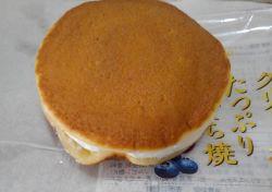 ヤマザキのクリームたっぷり生どら焼きのブルーベリージャムの味とどこで売ってる?賞味期限と値段も紹介!