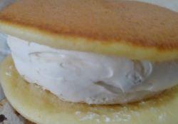 ヤマザキのクリームたっぷり生どら焼きのラムレーズン入りを食べた感想と口コミは?賞味期限と価格も紹介!