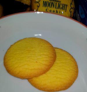 森永のムーンライト クッキーを食べた味の感想と口コミは?賞味期限と値段は!